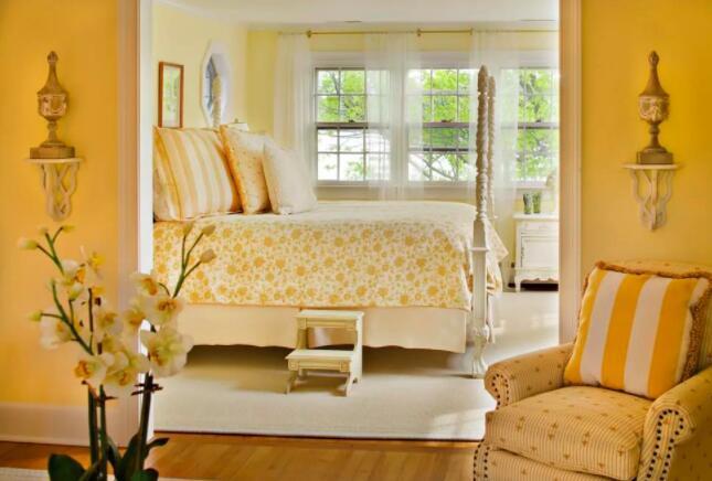 卧室装修墙壁和灯光选什么颜色-3