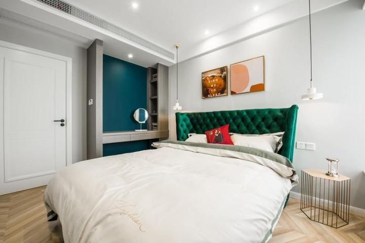 11平方形卧室装饰效果图的设计与风格选择