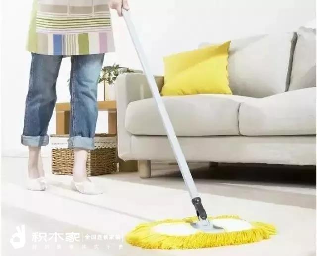 装修后地面清扫
